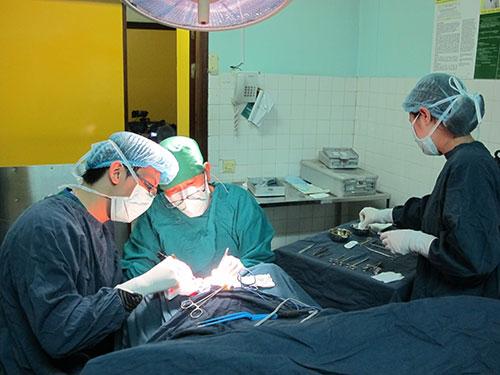Phẫu thuật chữa bệnh viêm đại tràng mãn tính