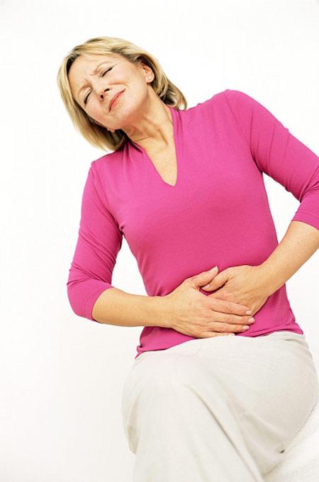 Bệnh viêm đại tràng gây đau bụng ở vị trí nào?