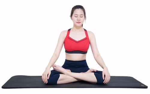 bai-tap-yoga-chua-viem-dai-trang-tai-nha