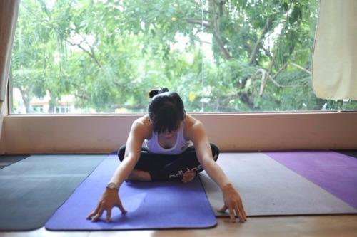 bai-tap-yoga-chua-viem-dai-trang-tai-nha2