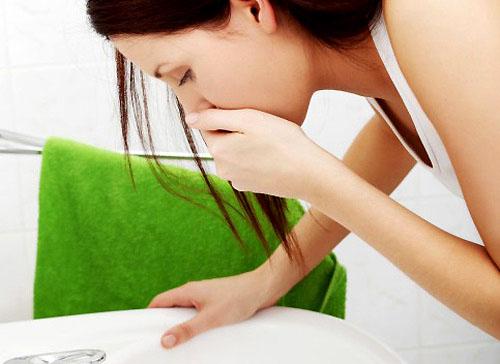 Bị viêm đau đại tràng có buồn nôn không?