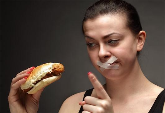 Bệnh nhân cần nhịn ăn trước khi nội soi trực tràng