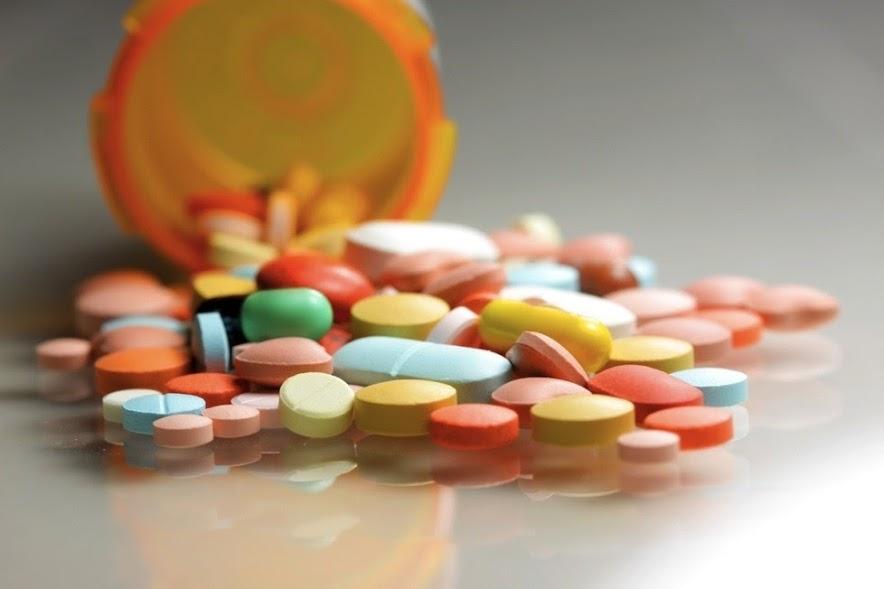 Cách dùng thuốc kháng sinh an toàn khi bị viêm đại tràng