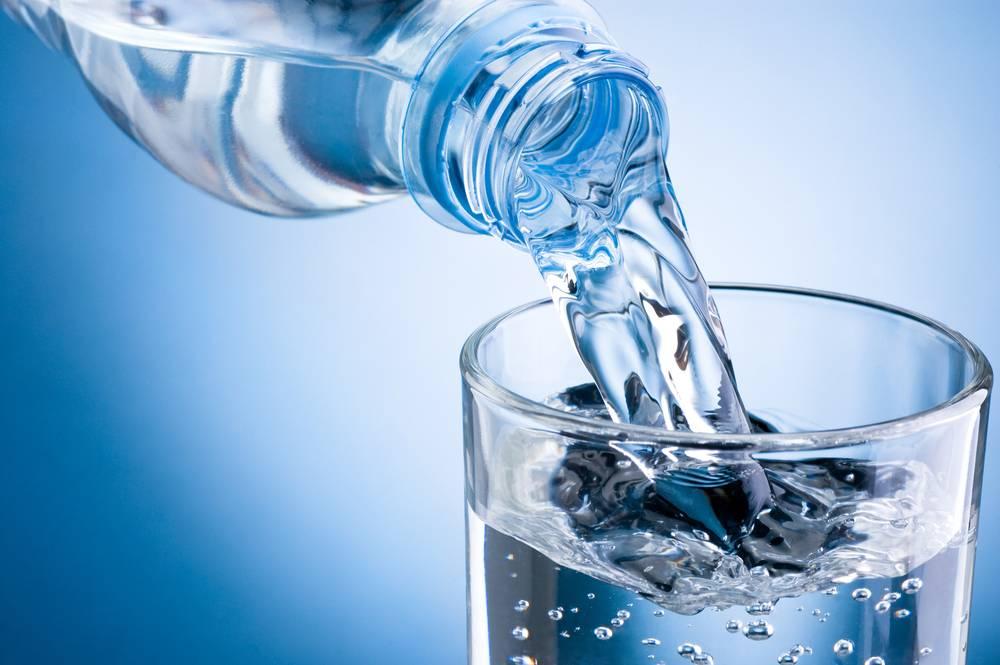 Nên uống nhiều nước khi bị Hội chứng ruột kích thích