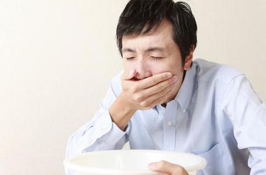 Đau bụng đi ngoài lỏng buồn nôn có thể là dấu hiệu của bệnh viêm đại tràng