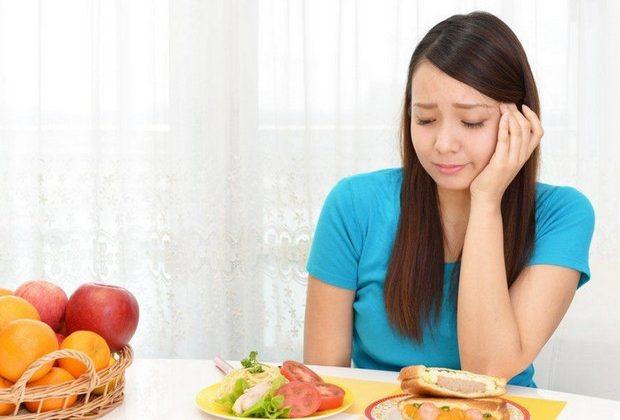 chán ăn là biểu hiện bệnh phình đại tràng ở người lớn