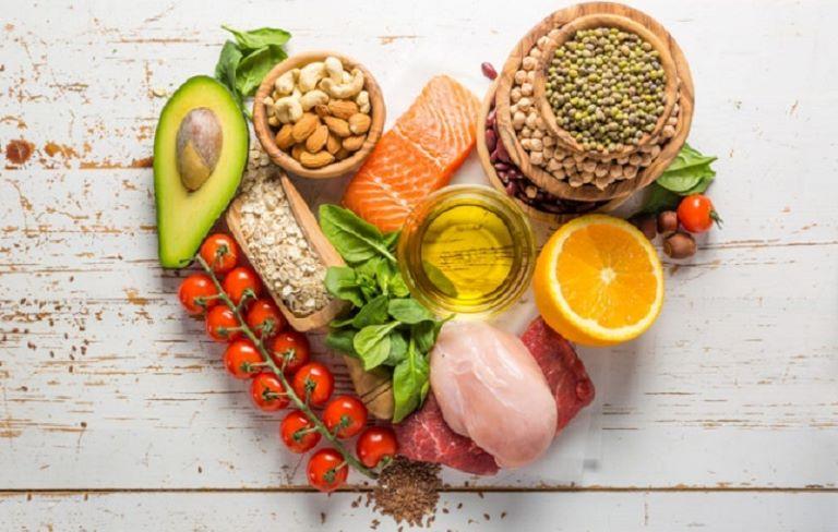 Ăn uống, sinh hoạt khoa học để cải thiện sức khỏe khi bị viêm đại tràng