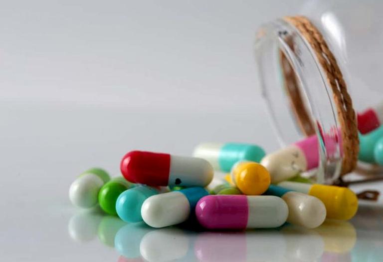 Thuốc Tây y là một trong những phương pháp chữa viêm đại tràng phổ biến hiện nay